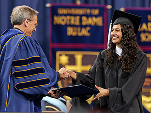 Notre Dame Graduate School >> Graduates Urged To Exhibit Intellectual Curiosity And Grit