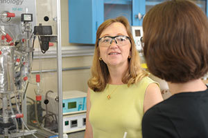 Joan Brennecke with a graduate student in her lab