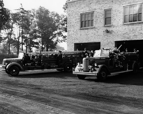 NDFD fire engines circa 1940s (Credit: Notre Dame Archives - not for reuse)