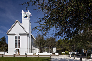 Seaside Chapel, view of the precinct from the south. The chapel was designed by 2016 Driehaus laureate Scott Merrill.