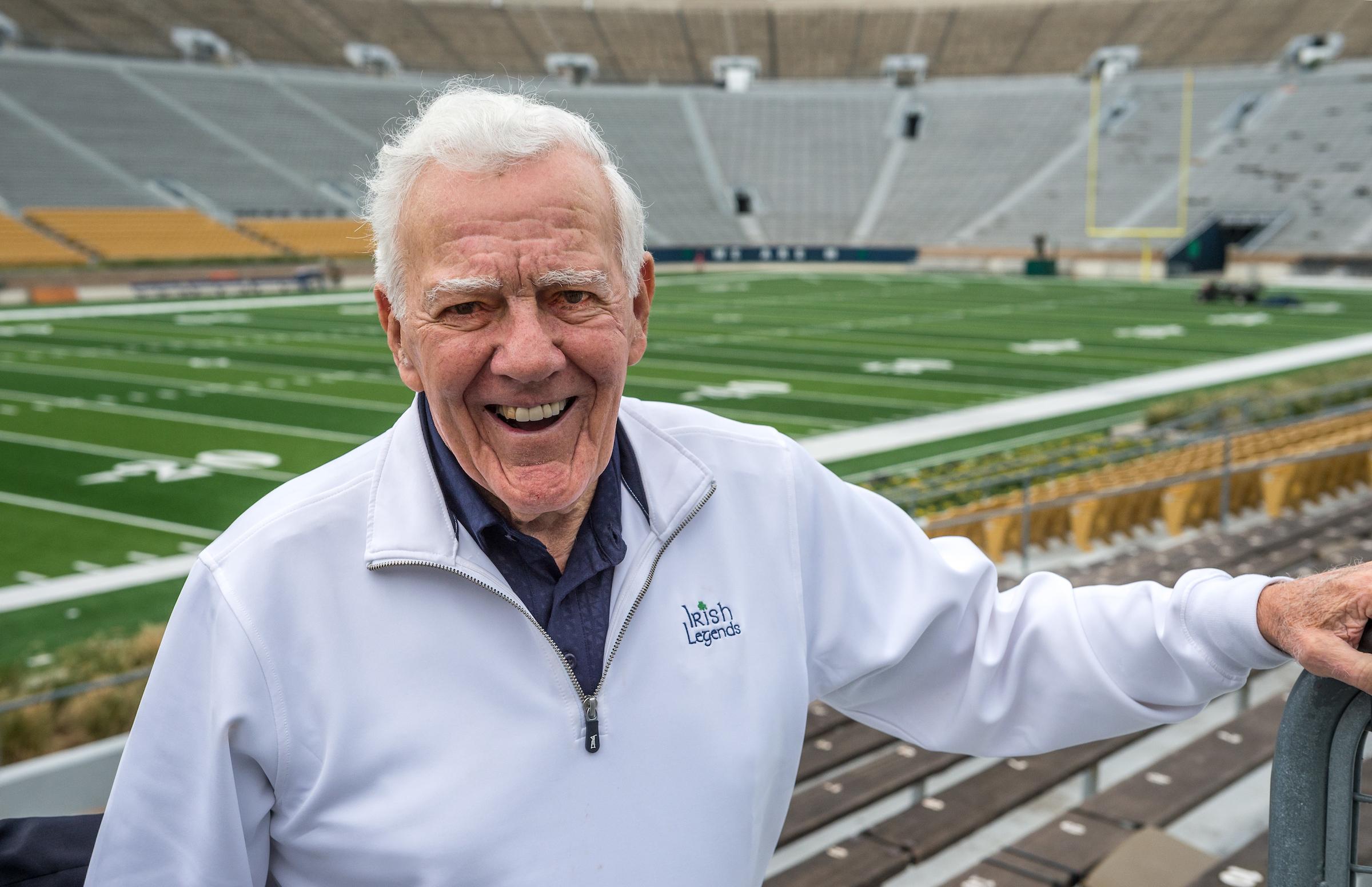 794b7f937e1 Former Notre Dame coach Ara Parseghian dies at age 94 | News | Notre ...