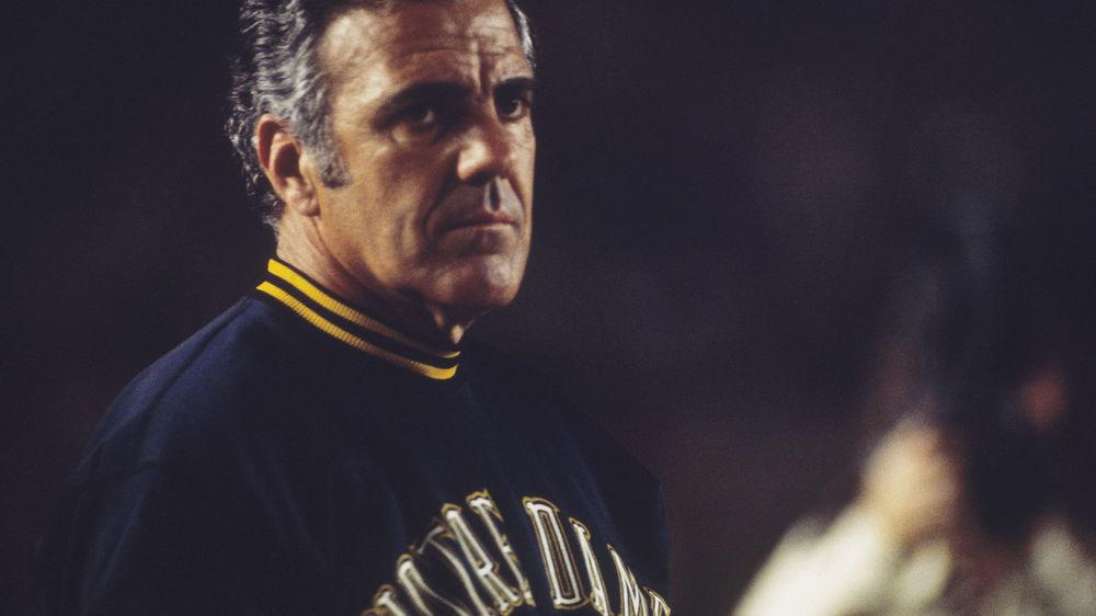 5b9c270ee Former Notre Dame coach Ara Parseghian dies at age 94