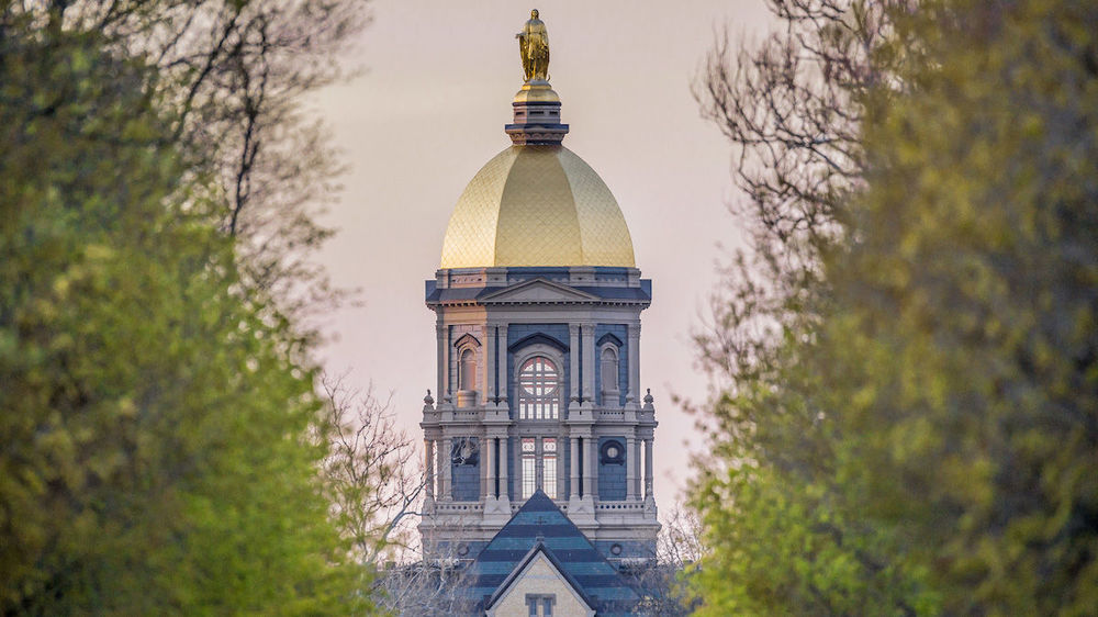 Notre Dame launches new graduate degree in business analytics  e657cfc75