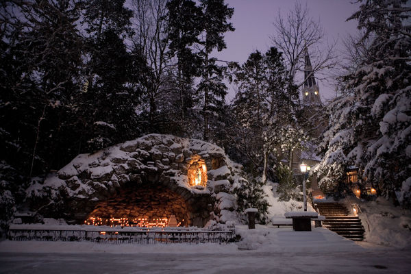 grotto_basilica_winter