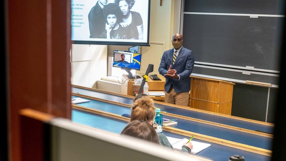 Professor of English Ernest Morrell teaches a class on Toni Morrison.